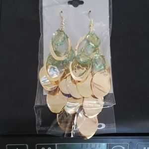 🆕️ green gold Teardrop chandelier earrings